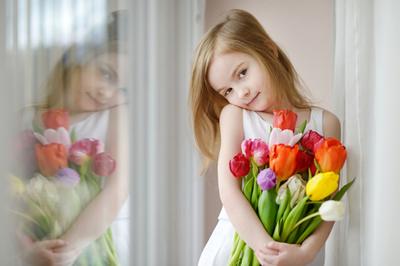 menina-flores